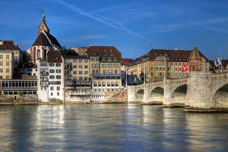 switzerland-basel-mittlere-bridge-old-town.jpg (630×420)