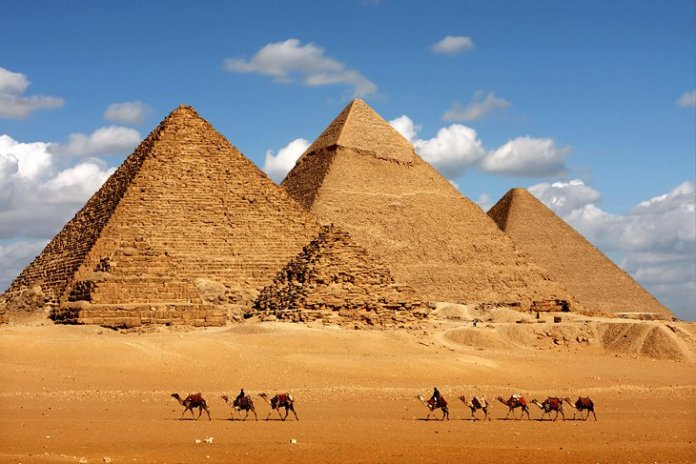 Pyramids of Giza: Attractions, Tips & Tours   PlanetWare