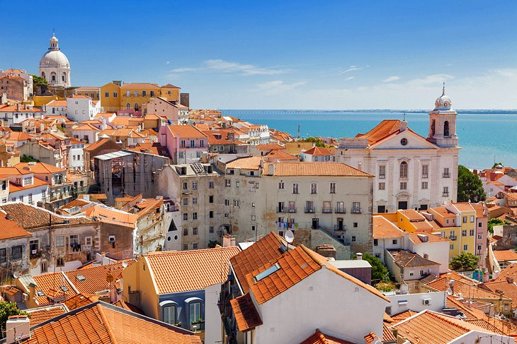 Lisbon S Old Quarter 11 Top Attractions Tours Nearby