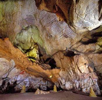 Cueva el Castillo en Cantabria