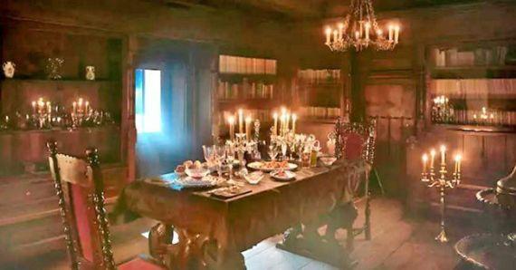 Cena en el Castillo del Conde Drácula