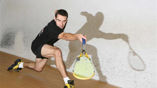 David Heath playing a drop shot