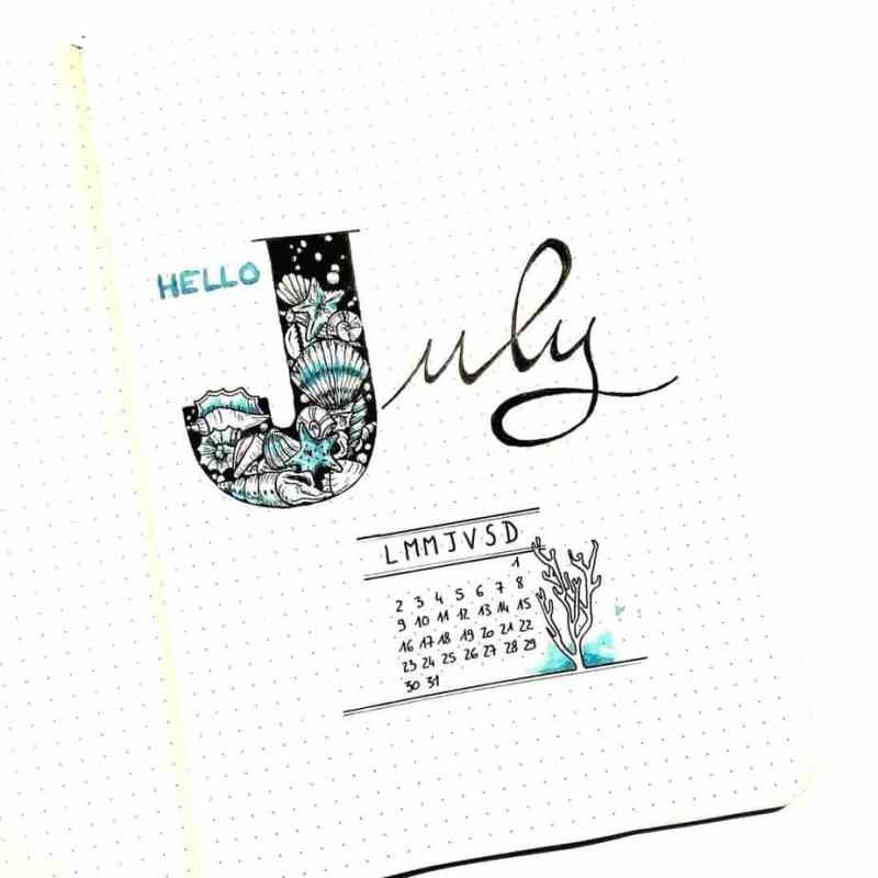 Spectacular shell layout @metro_boulot_bujo What's perfect for summer? The ocean! Shells are a terrific and have a ton of different design option ideas to try for bullet journal cover pages. The way the shells are built into the font is really clever.