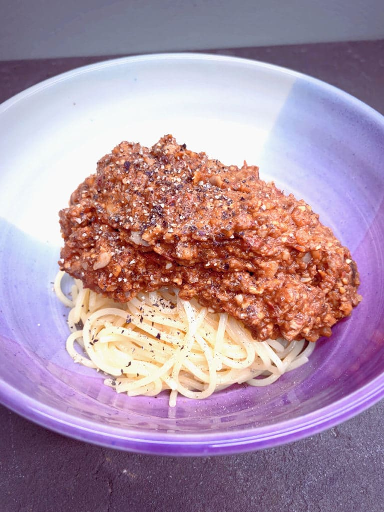 Meaty vegan bolognese sauce recipe
