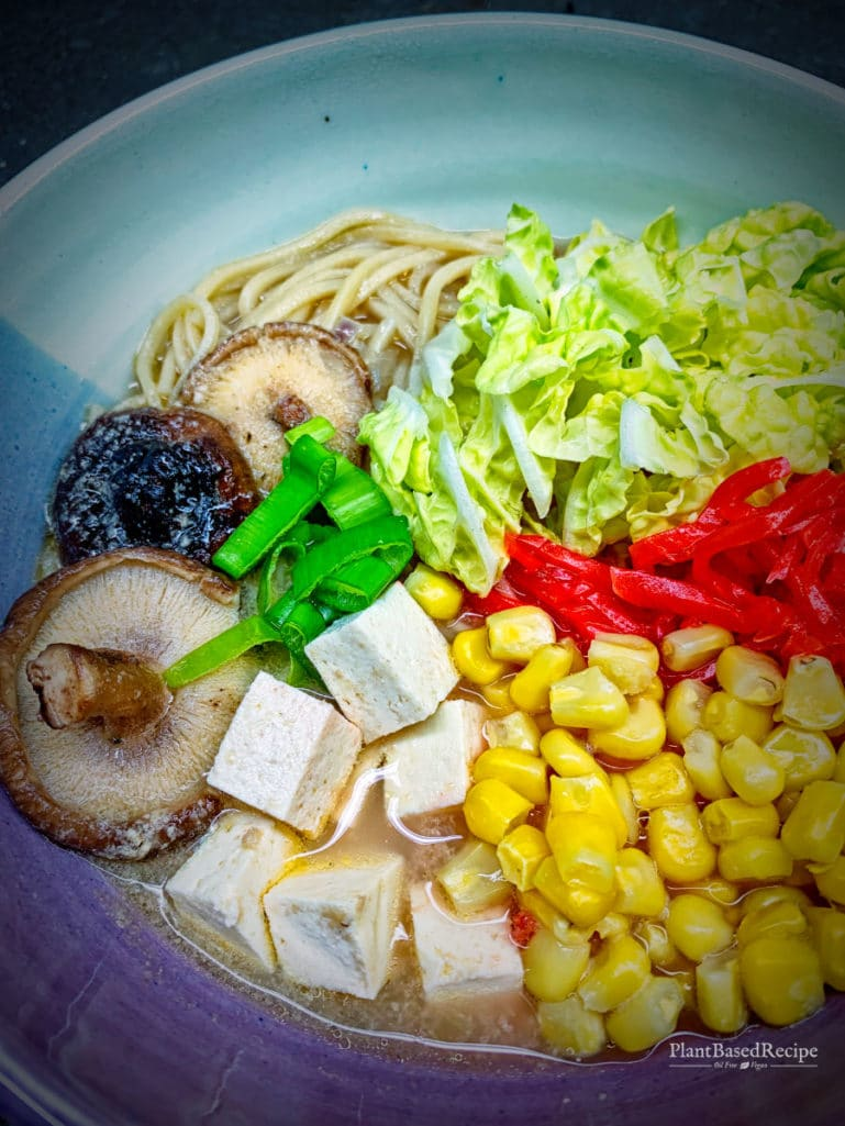 Vegan ramen with mushrooms and tofu – with a spicy option (Oil free, Vegan)
