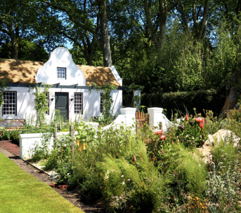 """Jonathan Snow's stunning Trailfinders South African Wine Estate garden is inspired by a quote from Linnaeus, 'may you be fully aware of your fortunate lot to enjoy that paradise on earth, the Cape of Good Hope"""""""