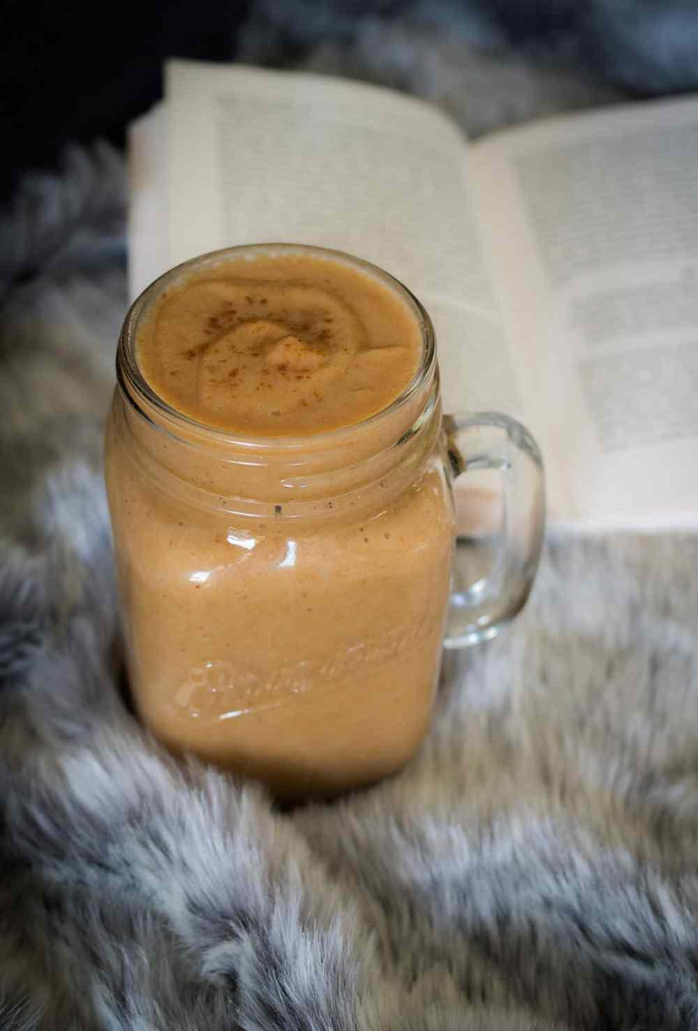 My secret addiction: warmer Apfelsmoothie.