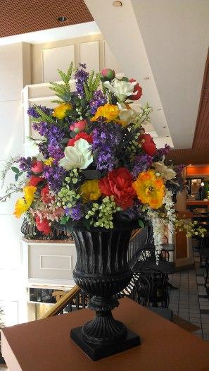 artificial seasonal arrangement