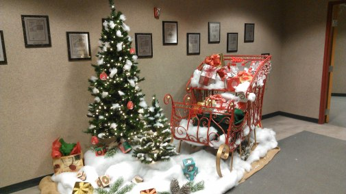 large holiday sleigh display