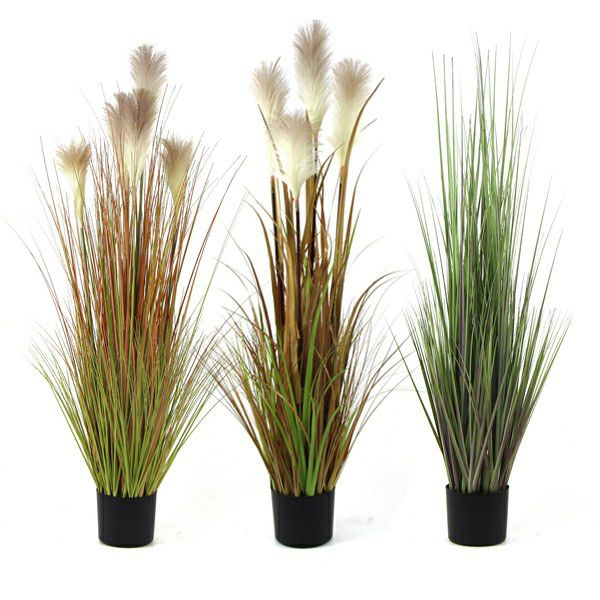 Artificial Reed Grass in Winter