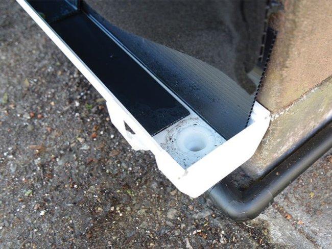 Florafelt® Pockets drain-away gutter.