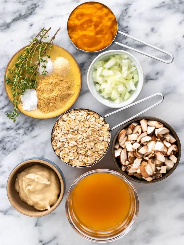 ingredientes para fazer muffin salgado de aveia com abóbora e cogumelo