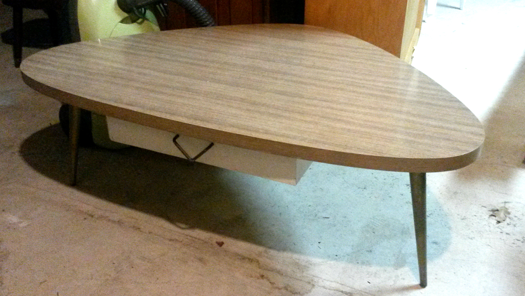 Ideas For An Affordable Patio Makeover   $25 Craigslist Table   Plaster U0026  Disaster