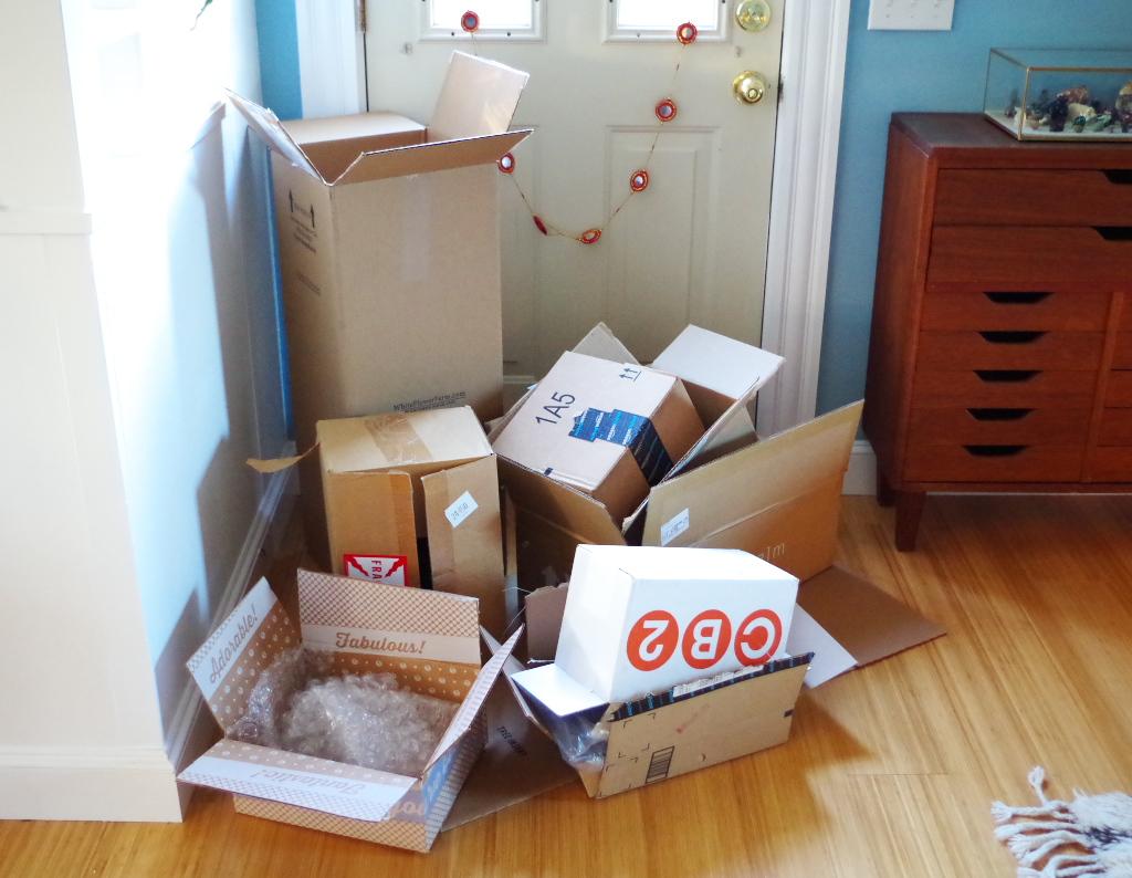 Real Holiday Home Tour - Cardboard box christmas tree - Plaster & Disaster