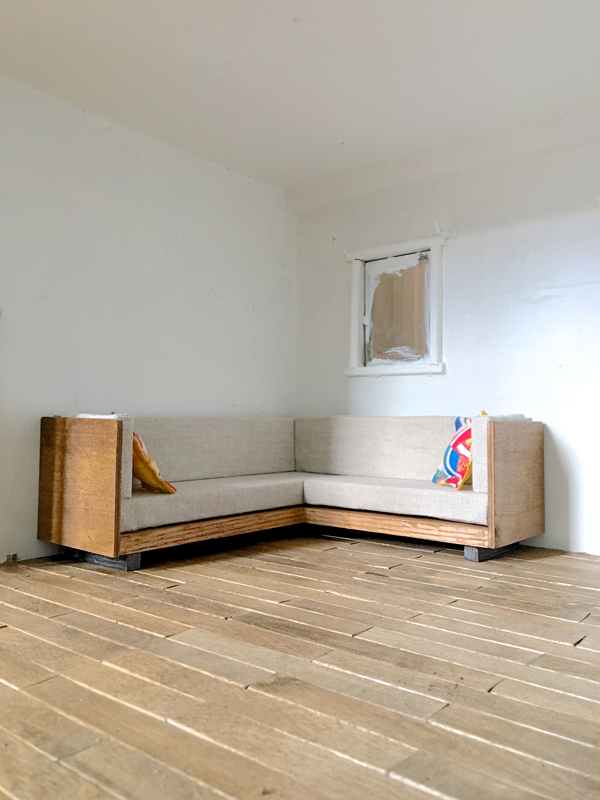 DIY tiny modern sofa -- Plaster & Disaster