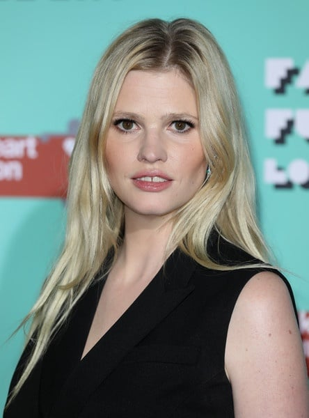 Lara Stone Plastic Surgery Before After