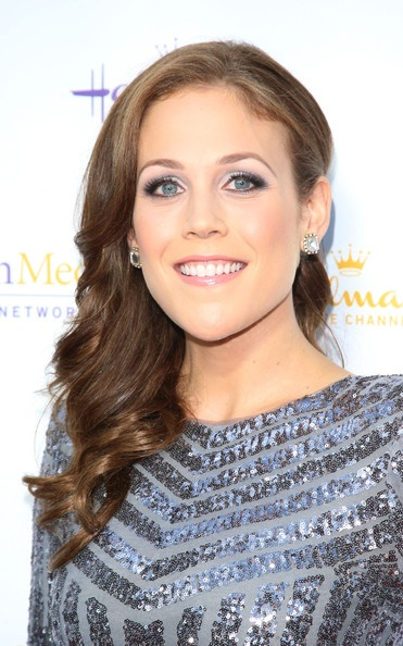 Erin Krakow Plastic Surgery: Breast Butt Nose Chin Lips Before After
