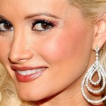 Holly Madison Plastic Surgery – A Nose & Boob Job