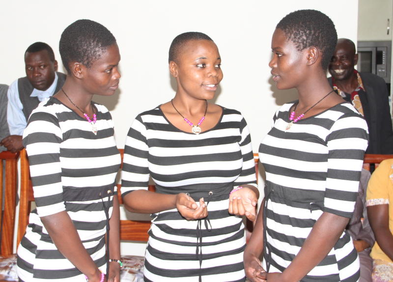 kenyan-twins-re-unite-after-being-separated-at-birth-for-20-years