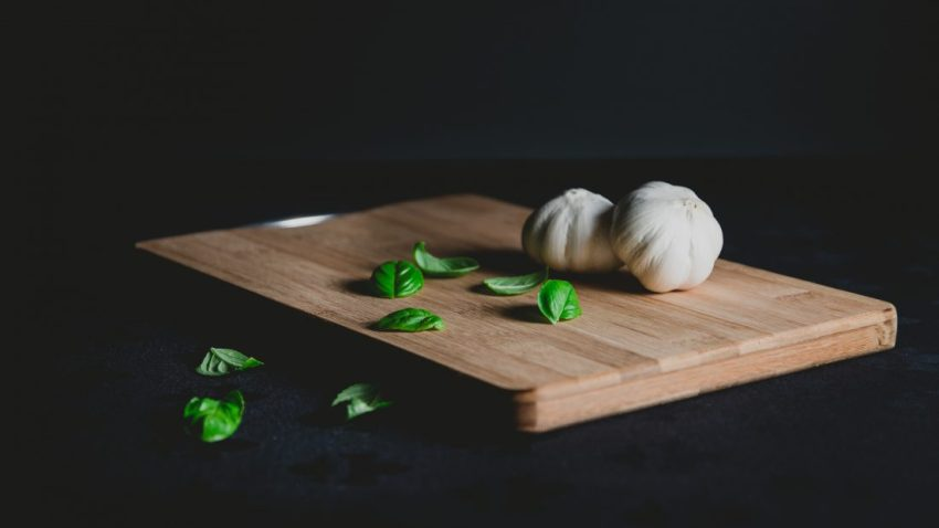 clearn skin foods garlic