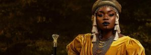 Nollywood Actress Bisola Aiyeola Celebrates Turning 34 Dressed As Queen Amina