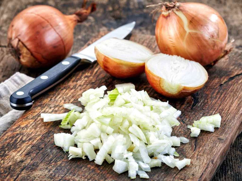 Onions : Its Benefits And What It Does To Your Body When It Turns Toxic