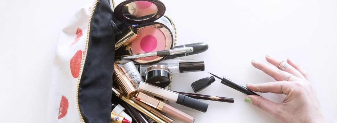 Four Easy Ways To Keep Bacteria From Your Makeup