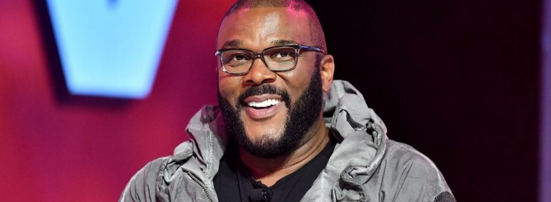 Tyler Perry Donates Boxes Of Thanksgiving Food And Gift Cards