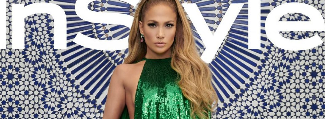Jennifer Lopez Poses For Photos Without Her $1.8 Million Engagement Ring