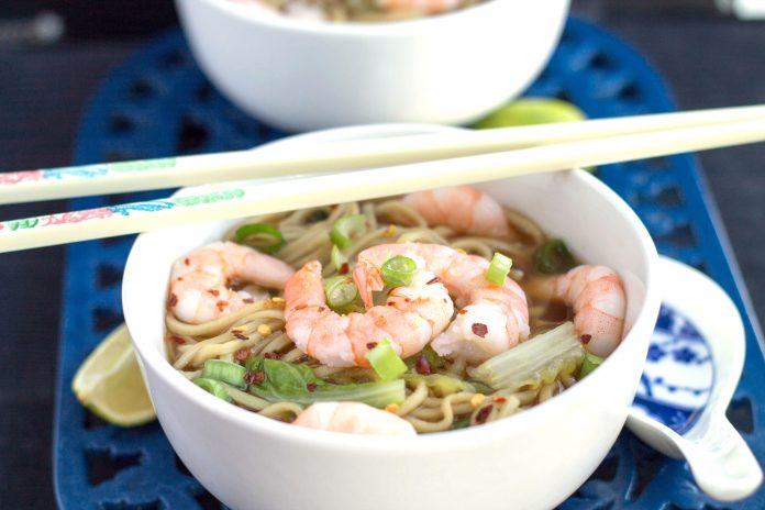 Soupe chinoise aux crevettes une recette facile simple