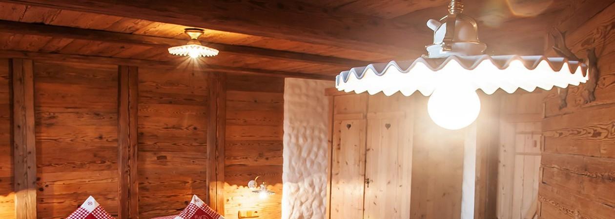 Lampade da tavolo e lampadari da soffitto per camerette di bambini collezione sia home fashion Lampade Arte Povera E Lampade Per Stube Platinlux Lampade Da Interno