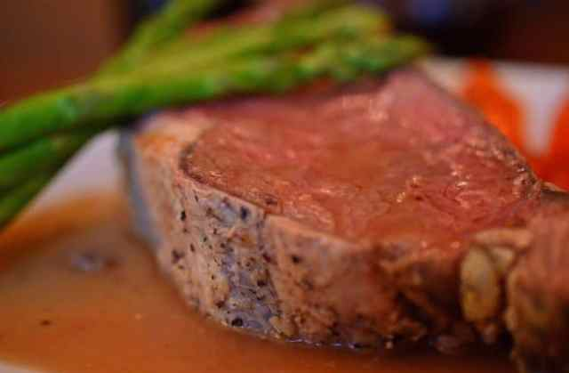 Platter Talk shows you how to roast prime rib in the oven.