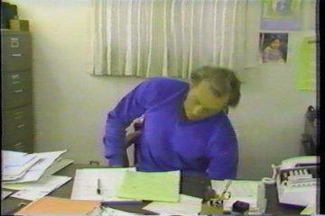 desk chair exercises bedroom vanity with back captaiiiiiiiin carroooooooot