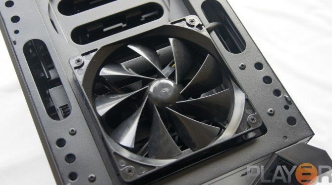 Thermaltake Chaser A31 Front 120mm Turbo Fan