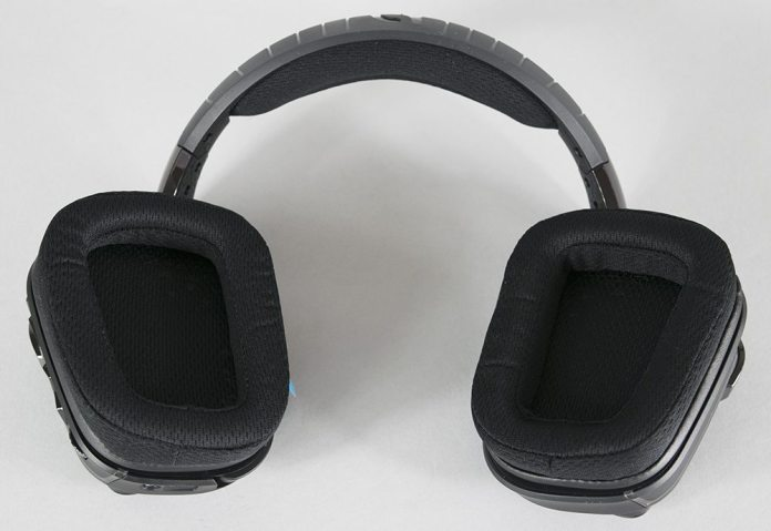 Logitech G633 Artemis Spectrum Headset Review 5