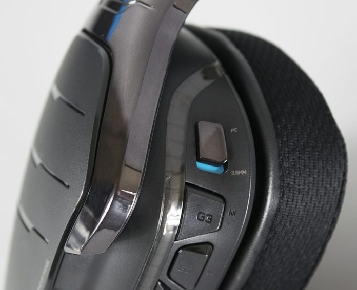 Logitech G633 Artemis Spectrum Headset Review 7
