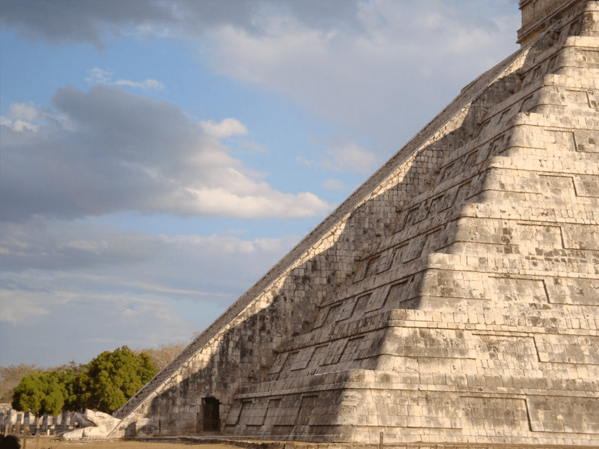 Witness the Fall Equinox Awaken the 10-Story Serpent That Slithers down Chichen Itza