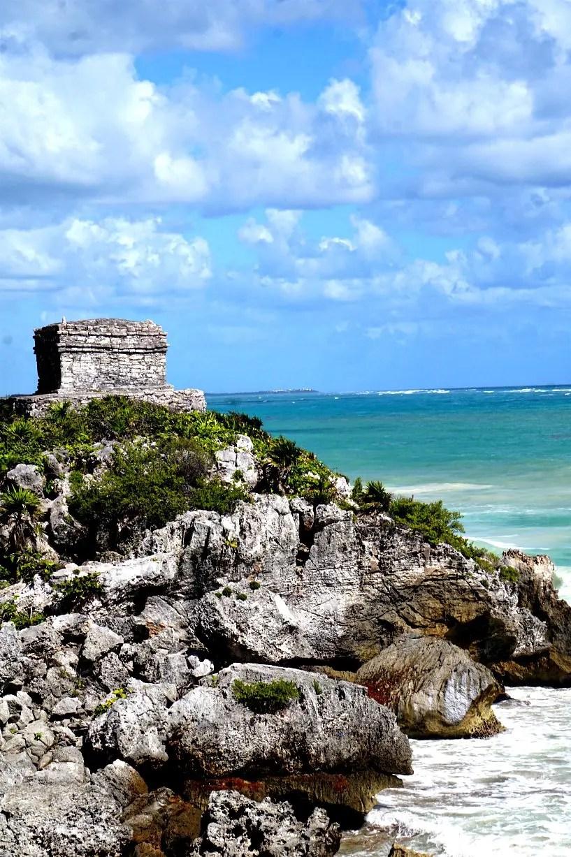 Tulum ruins overlooking the Caribbean Sea