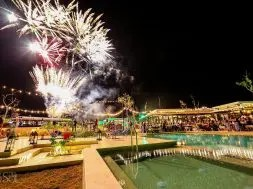andaz-hotel-new-years-eve-fireworks-1-1