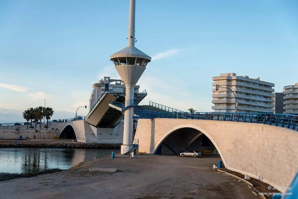 Folding bridge in La Manga