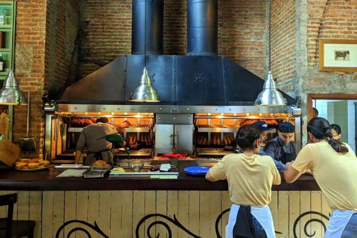 The grill at La Docena Punto Sao Paulo