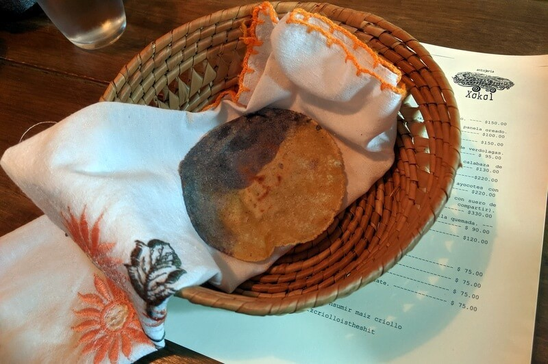 tortilla de dos maices en Xokol Restaurante Guadalajara