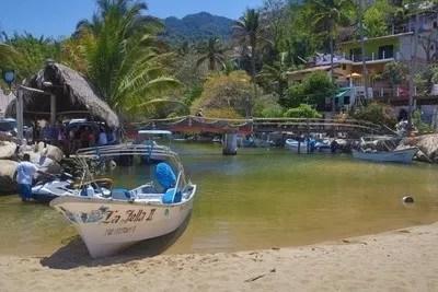 Puerto Vallarta Beach with boat