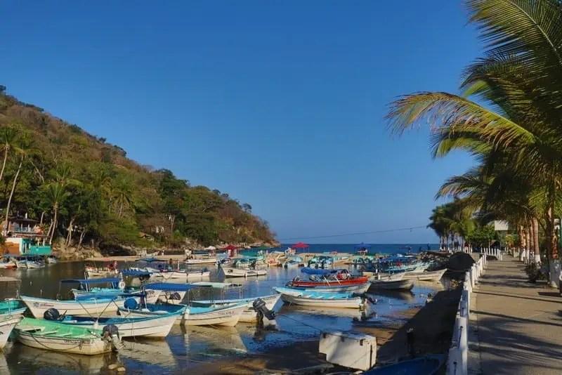 Boat parking in Boca de Tomatlan