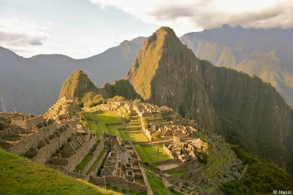 夕暮れのインカ帝国/マチュピチュ/ペルー