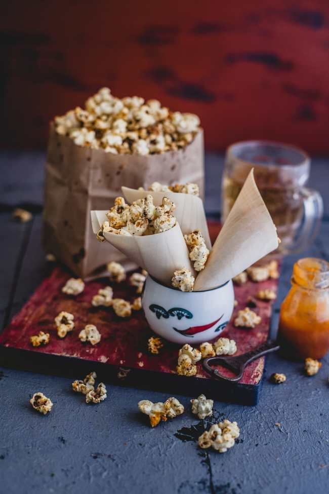 Sriracha Popcorn | Playful Cooking