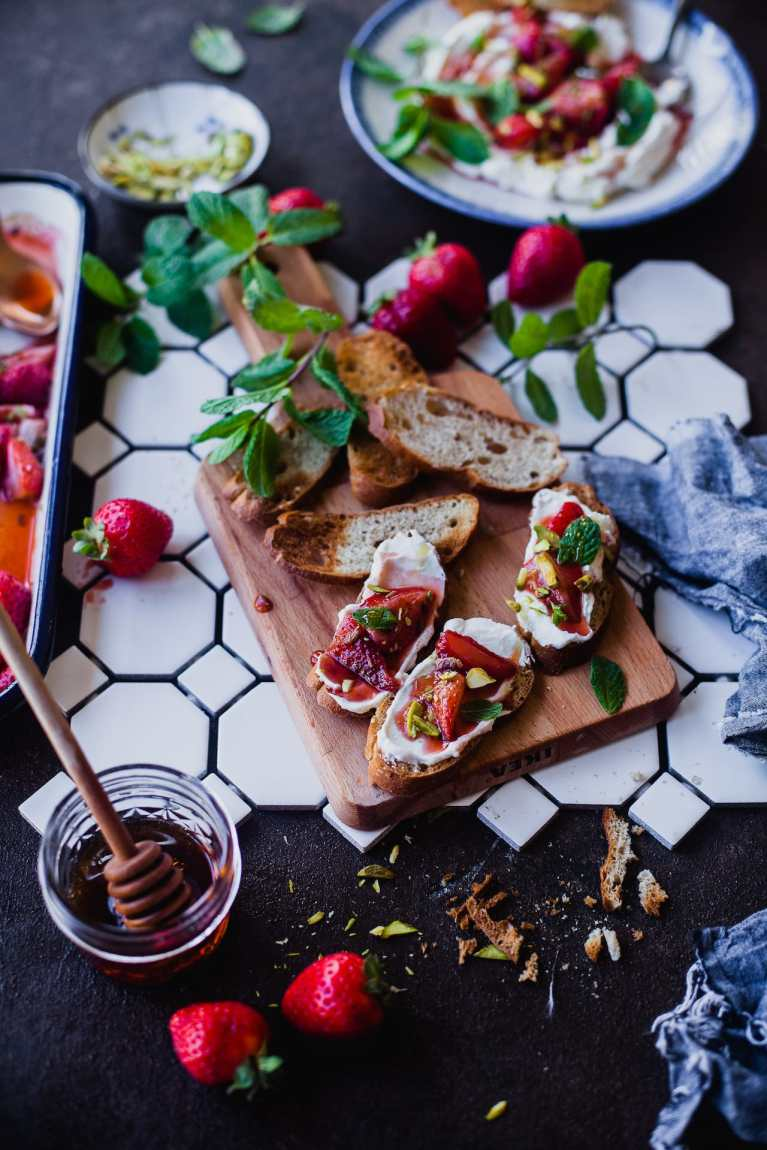 Fennel Roasted Strawberries Labneh Crostini 6