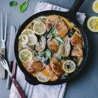Chicken Artichoke Spinach Creamy Skillet | Playful Cooking #chicken #skillet #foodphotography #artichoke #spinach #foodstyling #playfulcooking