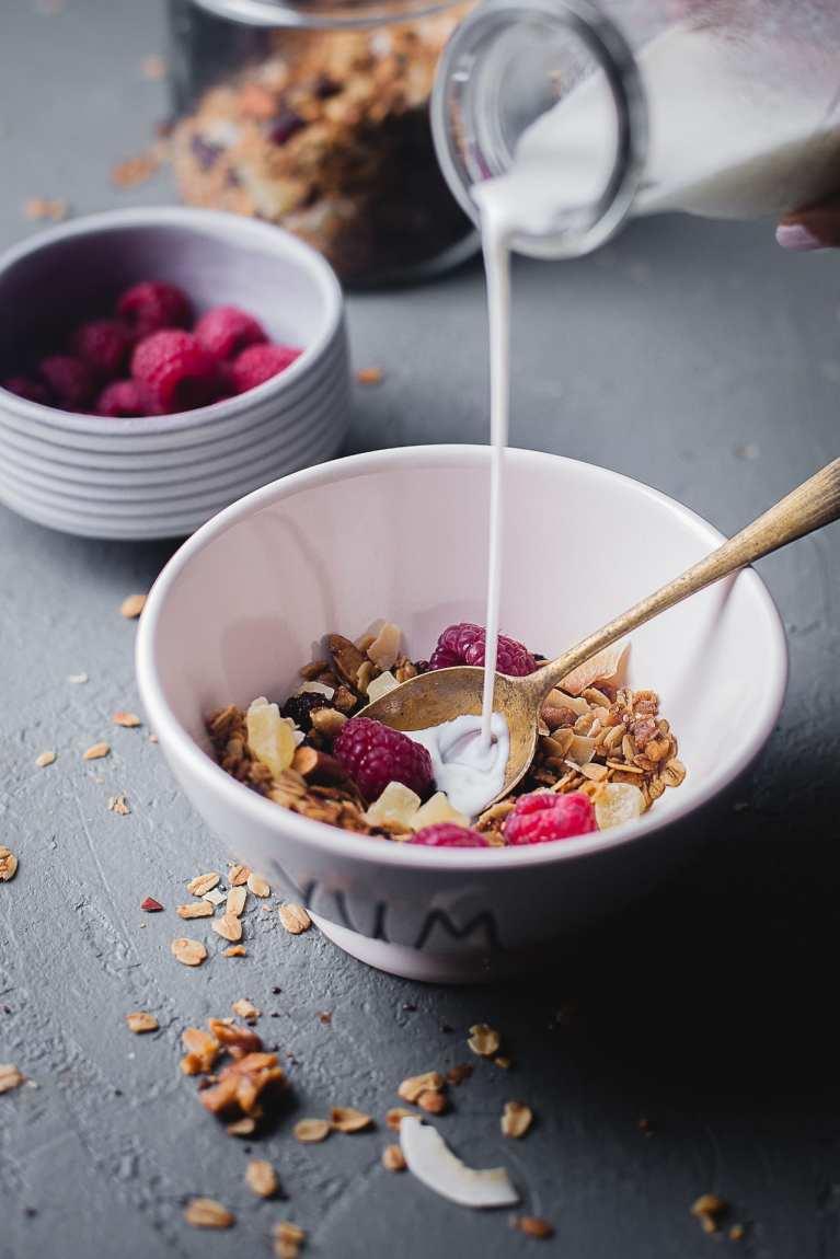 Breakfast vibe #granola #simple #breakfast #foodphotography