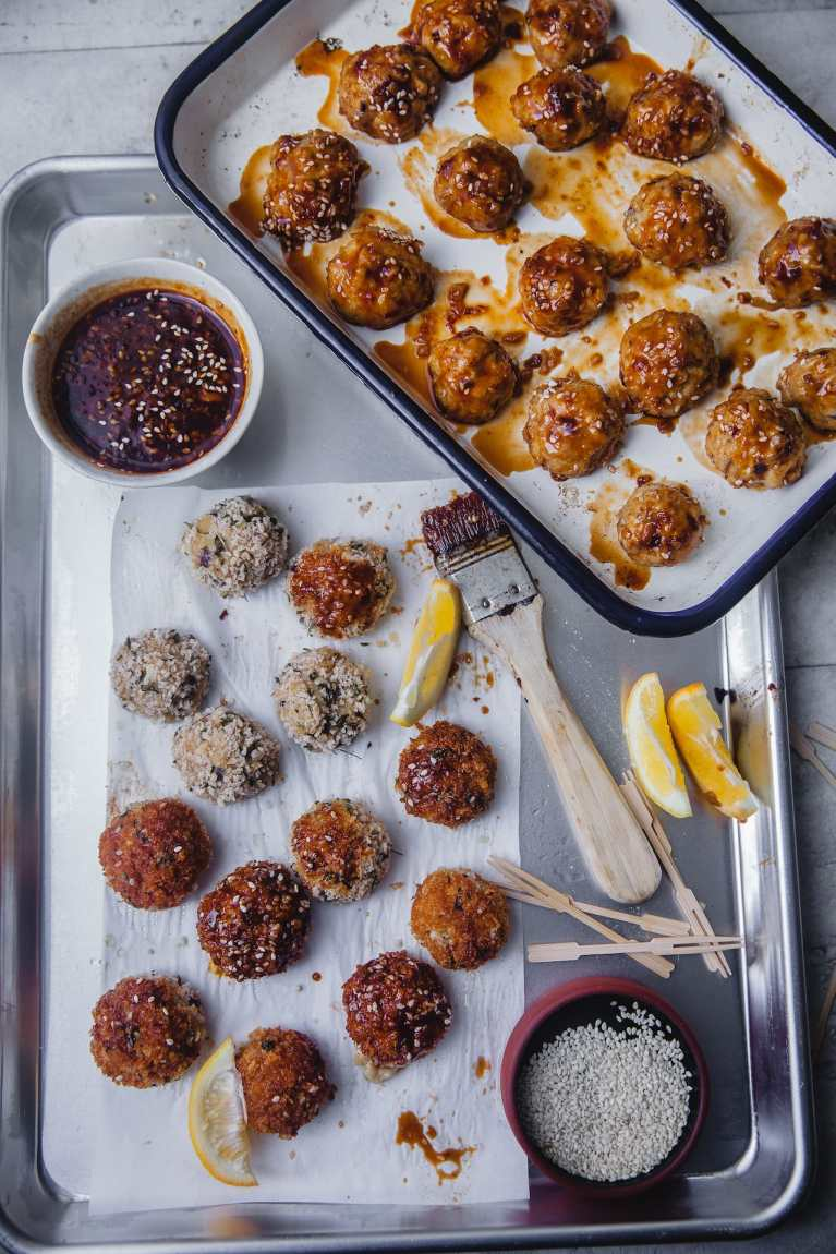 Easy baked appetizer | Playful Cooking #meatballs #chicken #partybites #baked #appetizers #stickysauce